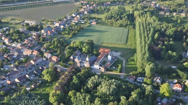 Vue aérienne du village de Berloz
