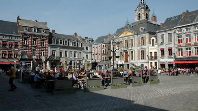 Terrasse sur le Grand Place de Huy