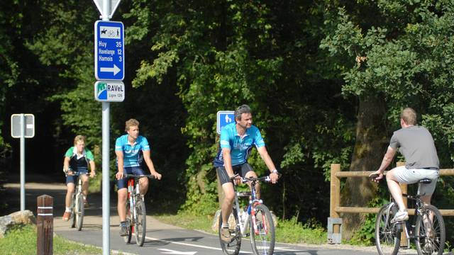 Cyclistes sur RAVeL - copyright Ph. Roland
