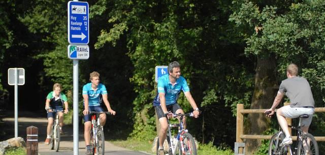 Cyclistes sur le RAVeL