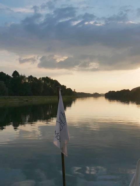 Soleil couchant sur la Meuse