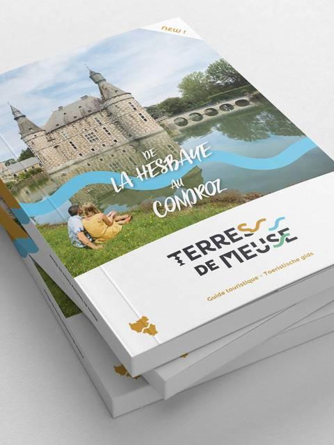 Exemplaires du guide touristique Terres-de-Meuse