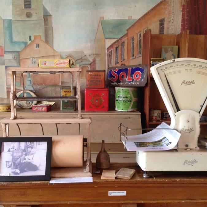 Comptoir et balance d'un vieux magasin