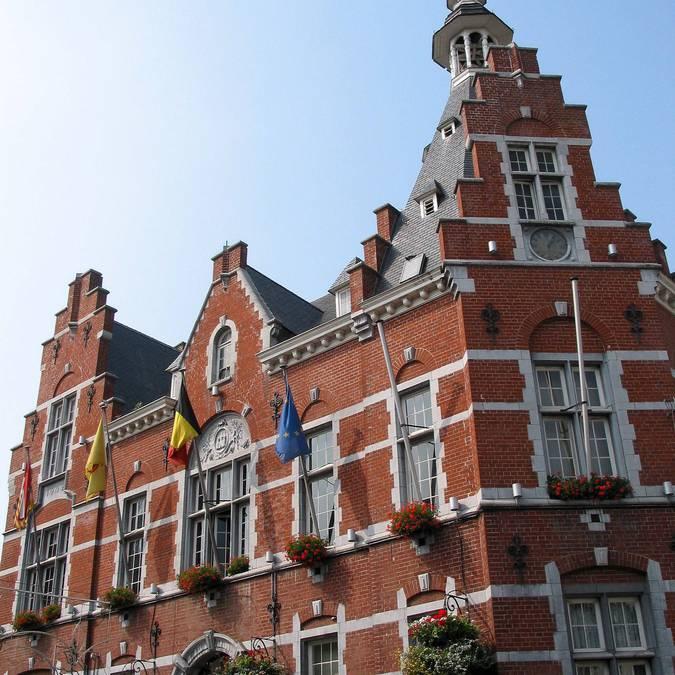 Hôtel de ville de Waremme - copyright Jean-Pol Grandmont